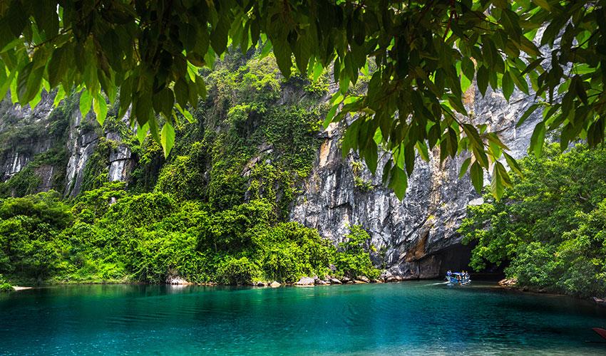 Danang to Phong Nha private car