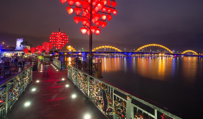 Love Lock Bridge Da Nang at night