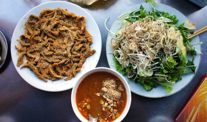 Nam O Fish Salad - what to eat in Da Nang