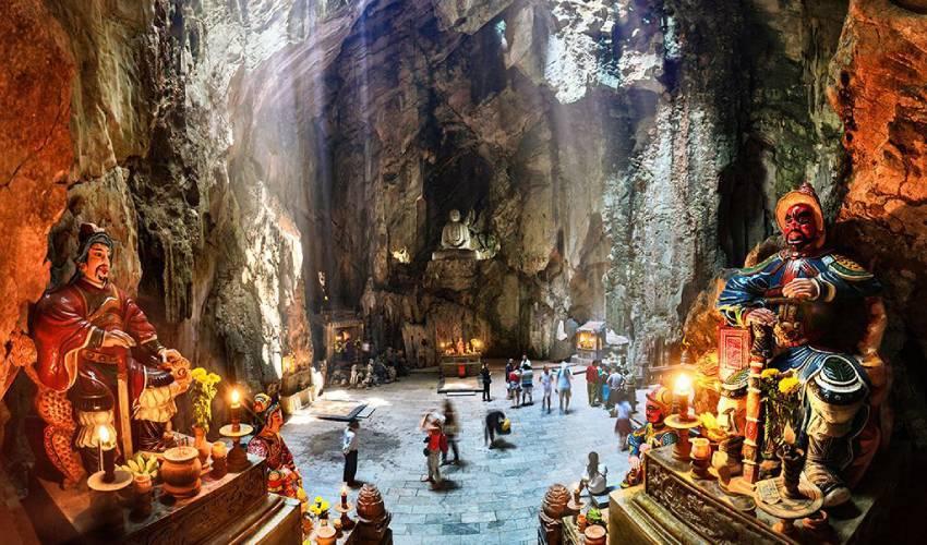 huyen khong cave ngu hanh son mountain
