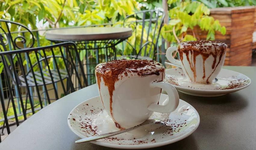dirty coffee - Golem Cafe