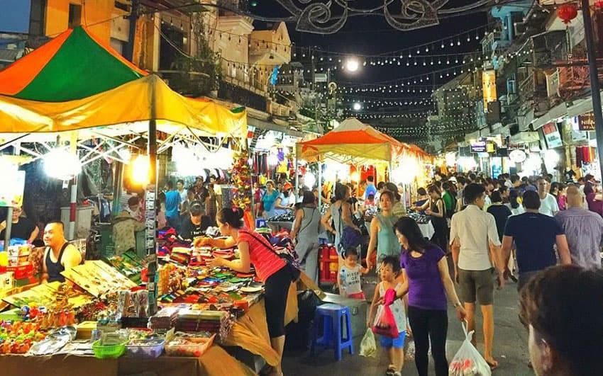 hanoi-nightmarket - Where to shop in Hanoi Vietnam
