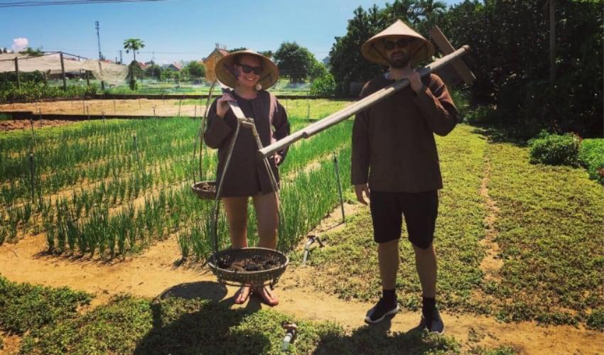 Be a farmer in tra que village