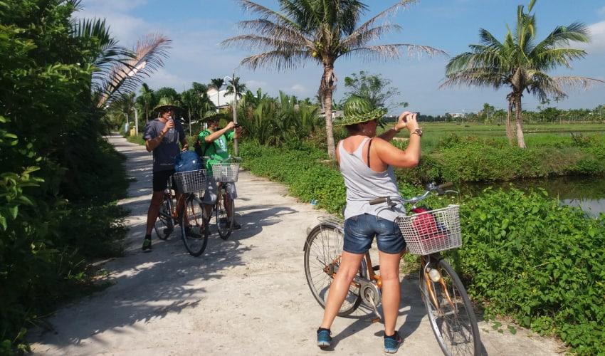 rent a bike to tra que village