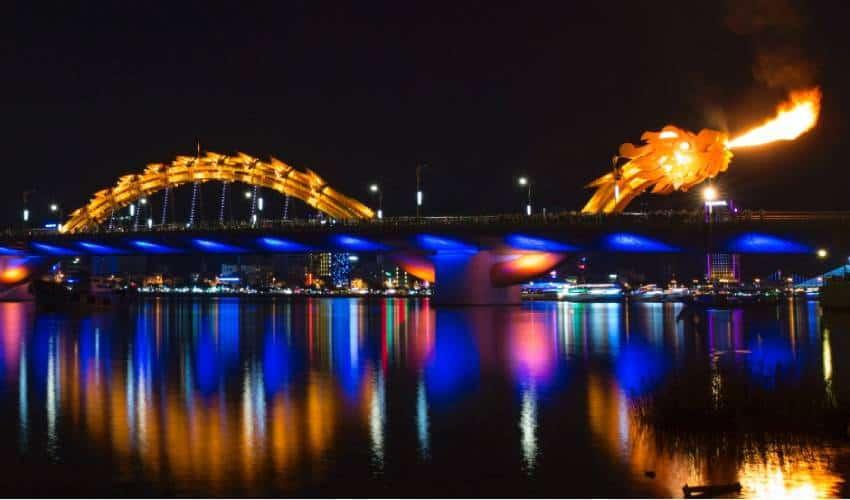 the Show on Dragon Bridge - what to do in da nang