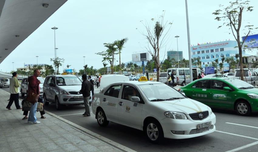 Car Taxi - Hoi an To Da Nang Airport