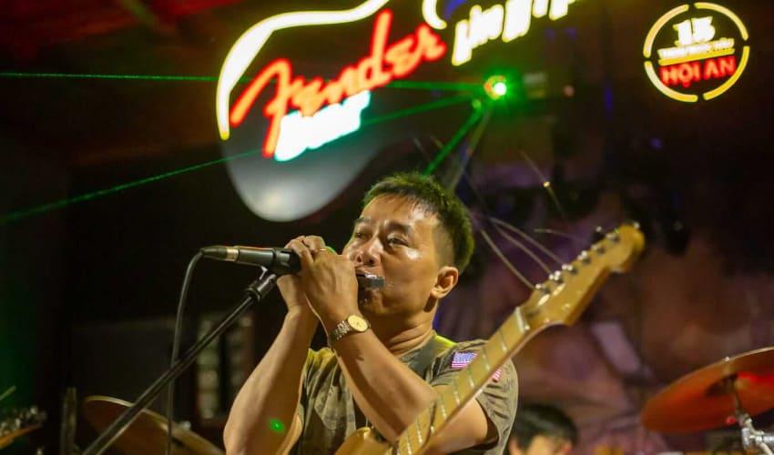 Fender Bar- best bars in hoi an