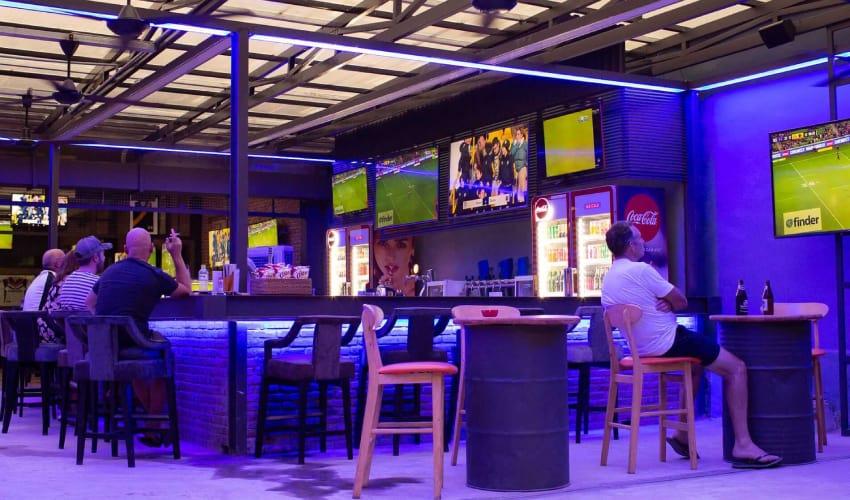 Hoi An Sports Bar