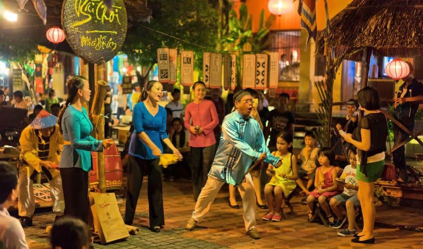 bai choi Hoi An Nightlife