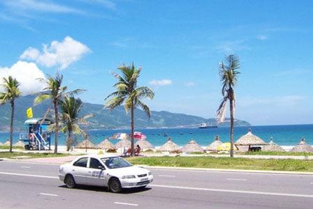 Hue to Da Nang private car