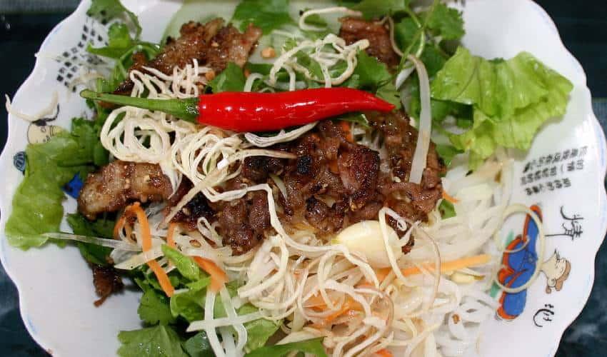 bun thit nuong - eat in Hue
