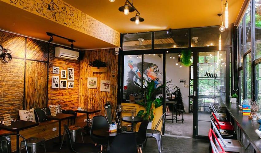 root cafe - the best cafe shop in Hue