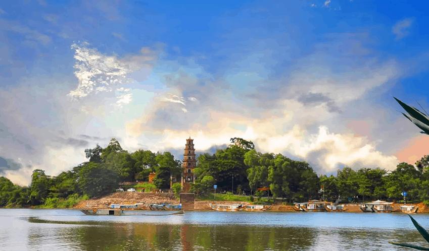 Thien mu pagoda and Perfume River