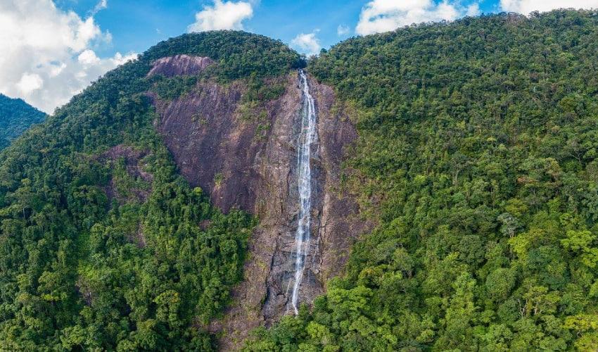 Do Quyen Waterfall in Bach Ma Nation