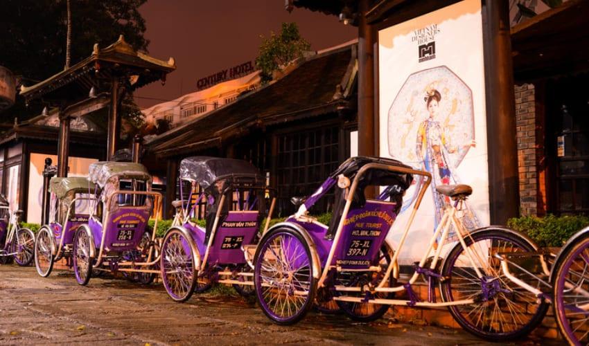Explore Hue City by Cyclo - hue nightlife