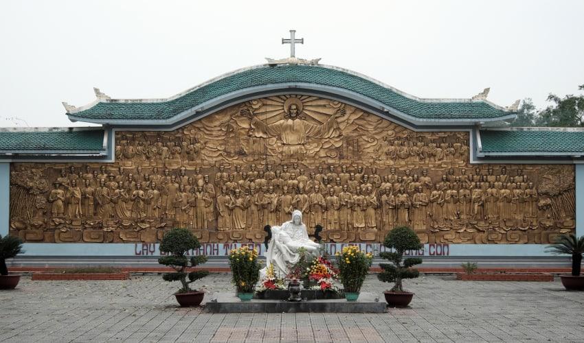 la vang holy land
